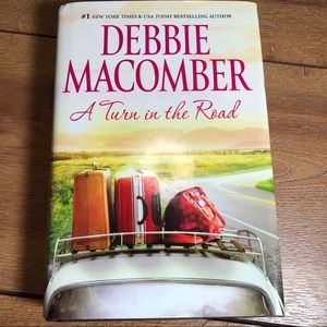 A Turn in the Road- Large print by Debbie Macomber